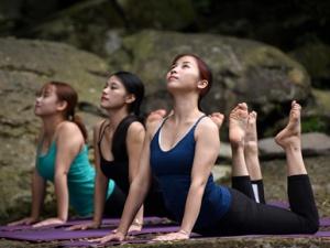 【高清】广西三江:夏日瑜伽觅清凉