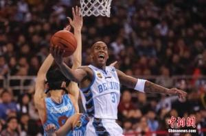 马布里与北控篮球俱乐部签约:留在北京开心极了