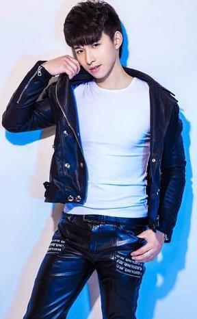 《星光大道》周冠军崔焱 不会杂技的运动员不是好歌手