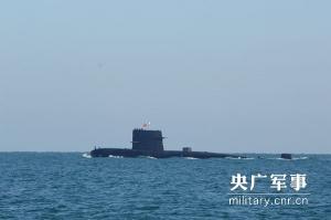 """29年潜艇老兵揭秘百米深海下的""""吃喝住行睡"""""""