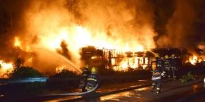 广昆高速路两车相撞起火 4人不幸身亡(图)