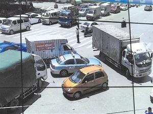 警方成功解救被劫出租车司机