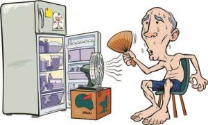 夏季老人多种疾病高发 老太满身汗吹空调吹出肺炎