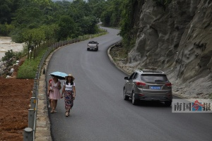 """""""环广西赛""""柳州赛道部分建成 路政严查超载车辆"""