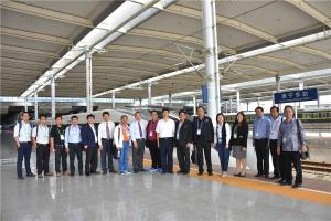 东盟院校代表参观南宁东站 赞赏中国高铁发展(图)