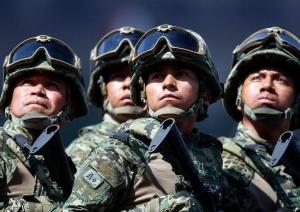 墨西哥举行阅兵活动庆祝独立日