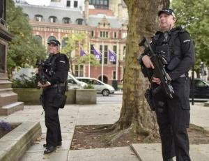 英国降低恐怖威胁等级