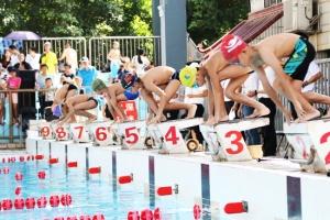 为第十四届区运会蓄势 南宁市再办游泳人才选拔赛