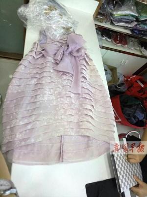 南宁:5878元裙子送洗变色 洗衣店只愿赔350元(图)