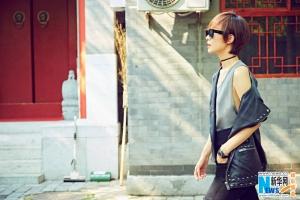 王珞丹北京老胡同示范时髦复古新街拍