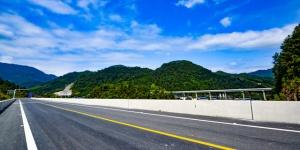 龙胜:全力冲刺桂三高速项目建设