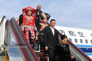 广西出席党的十九大代表抵京