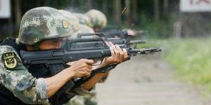 高清:武警特战队员训练挑战极限