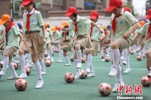 江苏2025年将建成超3000所足球特色学校