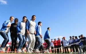 山东即墨:趣味运动会 快乐农民工