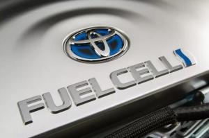"""如果5年后的汽车""""尾气""""是纯水? 丰田氢燃料汽车Mirai深度体验"""