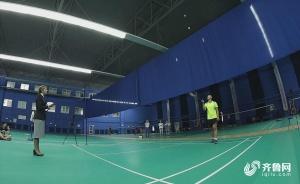 极限舞动羽球4分40秒!中国小伙单拍颠四球创纪录
