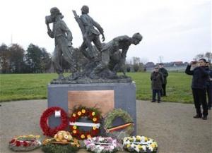 一战华工纪念雕像在比利时揭幕