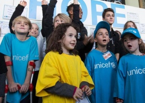 日内瓦万国宫庆祝世界儿童日