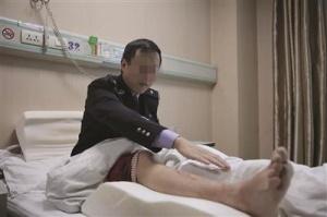 江苏一缉毒民警受重伤:毒贩开车从民警腿上碾过