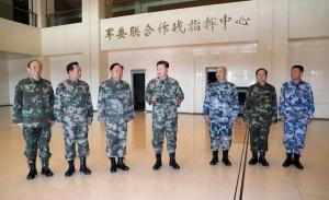 """习近平带领新军委班子履职一月 """"首要政治任务""""走在前列"""