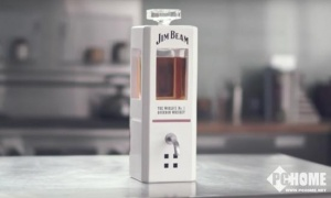 占边威士忌推出智能酒杯 语音控制酒量