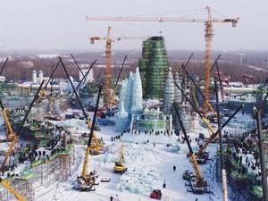 """哈尔滨""""冰雪大世界""""寒冬""""热""""建"""