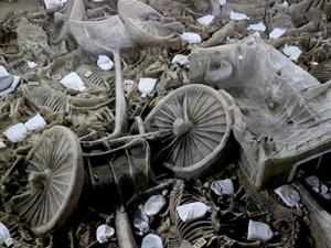 河南郑韩故城出土2400年前豪华马车 能躺能坐能睡