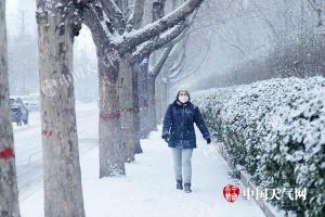 降雪转移东北 银川上海等迎今冬来最冷白天