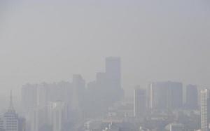 昆明出现污染天气 城区一片雾蒙蒙
