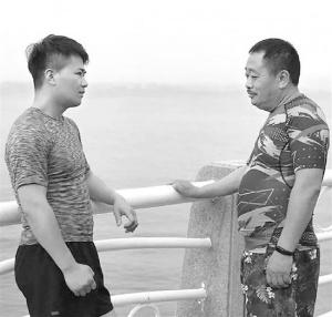 32岁摄影师特地增肥20斤带父亲减肥:陪他走出低谷