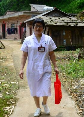 守护天使吴志芬 19年坚守深山 守护瑶乡妇女健康