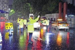 南宁近期连发多起交通事故 行车时遵纪守法才安全