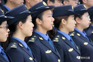 贺州市151名城管全新亮相
