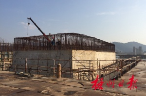 梧州西江四桥恢复施工加快水中主墩墩身浇筑(图)