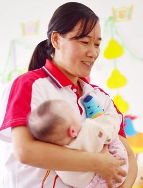 护理员李明英  14年全心投入儿童福利事业