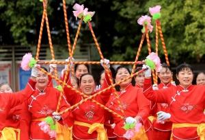 广西融安:古镇传统文化闹新春