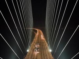 """苏通大桥通车10年首次全封闭""""体检""""顺利完成"""