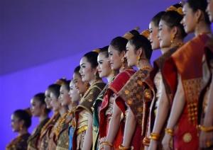 """老挝琅勃拉邦举行""""2018宋干小姐""""评选"""