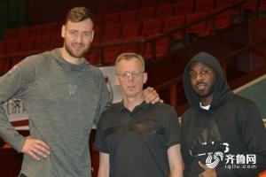 莫泰赴西甲加盟巴萨 丁彦雨航将参加NBA夏季联赛