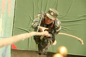 高清组图:走近武警队伍侦查兵集训