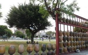 台湾鹿港古镇特色瓮墙焕发新光彩