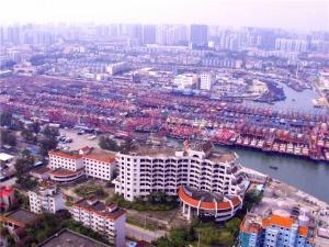 5月1日焦点图:伏季休渔期上千渔船进港休息 场面壮观