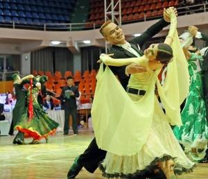 2018广西体育舞蹈锦标赛:2400余选手革新赛会记载