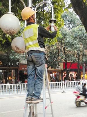 南宁开展全市路灯安全大排查 如发现故障请打电话