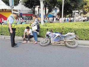 南宁交警加强整治 半个月查处摩托车违法100多起