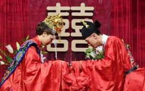 台湾:汉服婚礼展示中华传统澳门葡京网址
