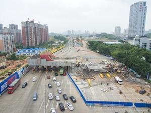 6月3日焦点图:原南宁收费站正拆除 将变成快速路