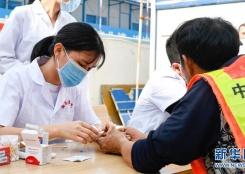 海口:志愿服务进工地