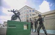 北海:初夏时节武警官兵开展大练兵(图)
